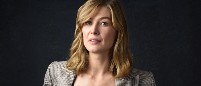 "Interview about A Private War : ""I took her into my body"" says Rosamund Pike."